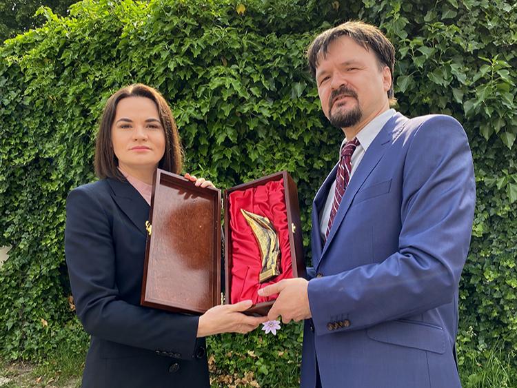 PEMC geeft prijs 2020 aan Svetlana Tichanovskaja Praag